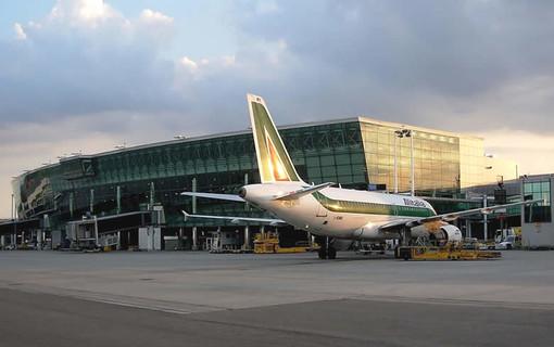 Il pianoforte all'aeroporto di Torino debutta con la Bohème