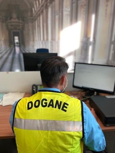 Sette container di merce senza requisiti di sicurezza: maxi sequestro delle Dogane di Torino