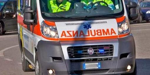 Auto fuori strada a Strambino con a bordo una coppia di anziani: lui muore sul colpo, lei è in ospedale