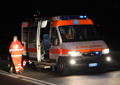 Incendio in una casa in via Barbania: una donna soccorsa e portata all'ospedale