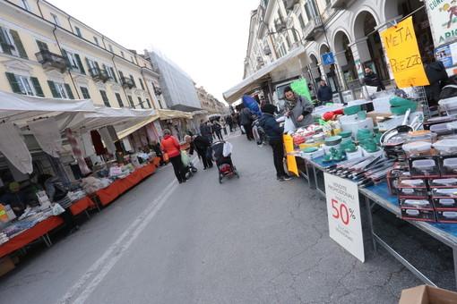 Riparti Piemonte: bonus mercati da 1.500 euro per gli ambulanti che non hanno lavorato