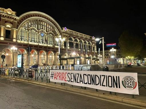 Gli striscioni a Torino, Chivasso e Settimo