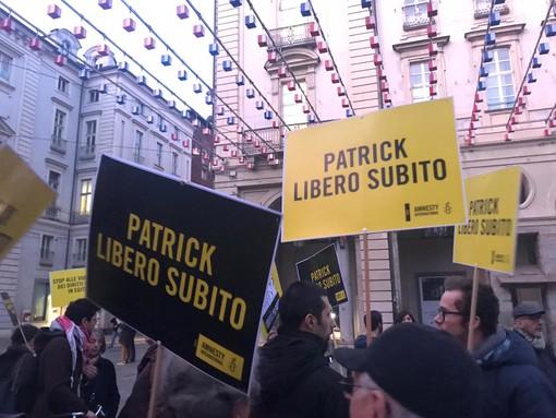 "Amnesty International in piazza a Torino per Patrick George Zaky: ""Liberatelo subito"""