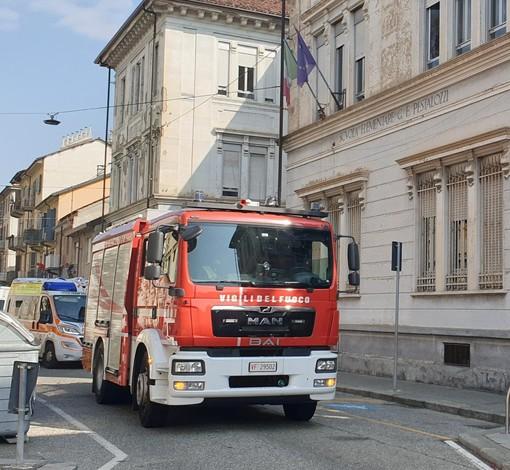 Odore di bruciato, scuola elementare Pestalozzi evacuata a Torino. Ma si è trattato di un falso allarme