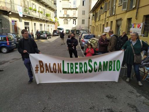 """Residenti e associazioni di Porta Palazzo: """"Il Balon è di tutti"""""""