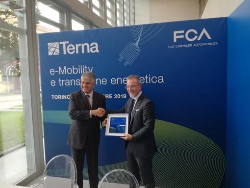 L'auto elettrica che restituisce l'energia inutilizzata: a Mirafiori Torino mette in moto il futuro