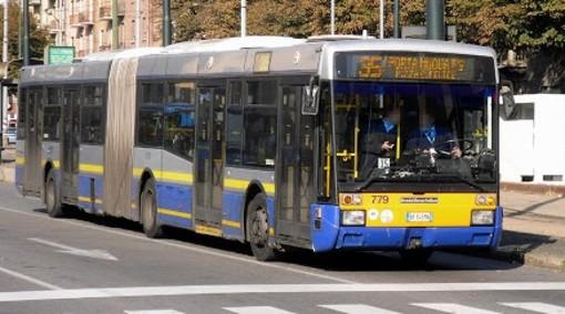 bus della linea 35 - foto d'archivio