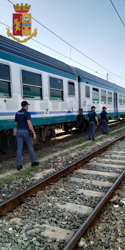La Polizia contro i comportamenti illeciti nelle stazioni e sui treni