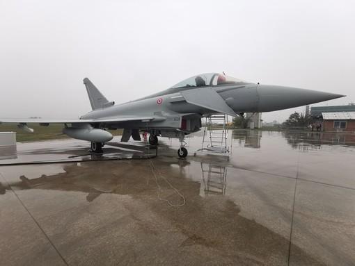 Decollato dallo stabilimento di Caselle l'Eurofighter Typhoon prodotto da Leonardo