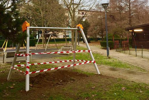 """Collegno, Parisi: """"Consentire ai bambini l'accesso ai giochi nei parchi pubblici"""""""