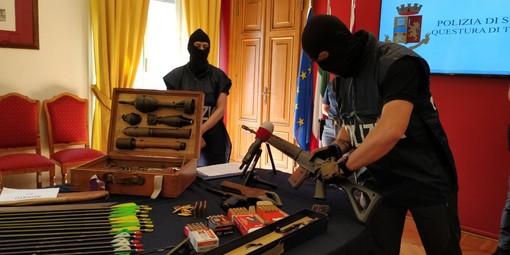 La Digos di Torino sequestra altre armi in Toscana: coinvolta anche l'Fbi [VIDEO]