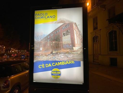 """Il Banksy di Torino prende di mira Damilano, Lo Russo e Sganga: """"Politica distorce il reale per farlo suo"""""""