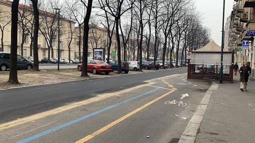 """Corso Lecce: controviali riasfaltati ma la ciclabile resta fuori, Lapietra: """"Colpa del regolamento comunale"""""""