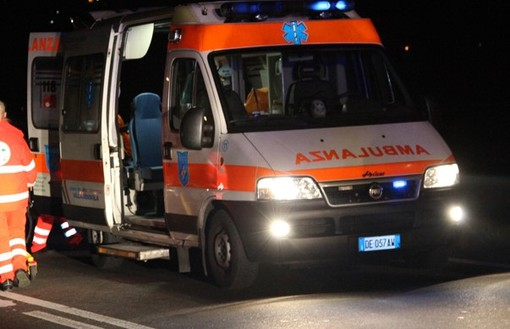 Frontale lungo la statale per Ceresole: tre auto coinvolte, 4 persone ferite