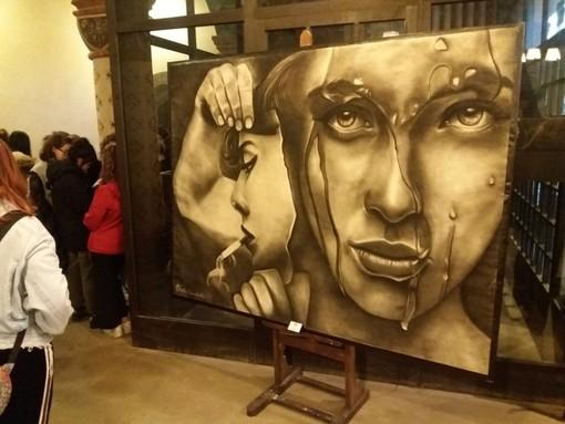 """""""A regola d'arte"""": i giovani artisti del liceo """"Passoni"""" espongono al Borgo Medievale [FOTO]"""