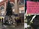 La magia del Natale a Porta Nuova: nelle letterine appese all'albero custoditi i sogni dei torinesi (FOTO e VIDEO)