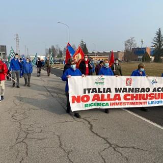 manifestazione di operai in strada