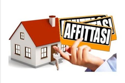 """Bardonecchia, ruba 118 cartelli """"vendesi"""" e """"affittasi"""" per screditare l'agenzia immobiliare: denunciato"""