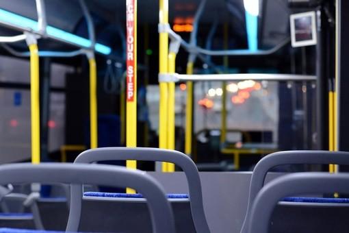 Cadde mentre si trovava a bordo di un bus, anziana muore dopo un mese in ospedale