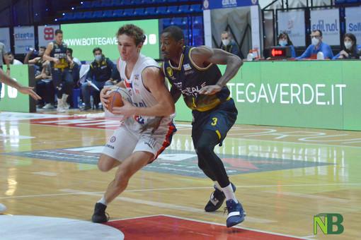 Buona la prima per la Reale Mutua Basket Torino, Biella lotta ma va al tappeto [FOTO]