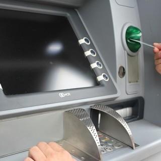 """La denuncia di Uncem: """"Banche chiuse e bancomat non ricaricati nei paesi di montagna"""""""