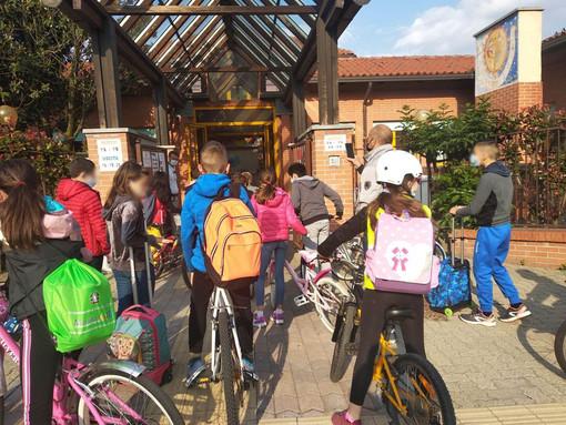 Bike to school, a Collegno ogni scuola avrà il suo spazio per le bici