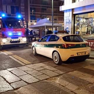 L'intervento dei vigili del fuoco e della polizia municipale