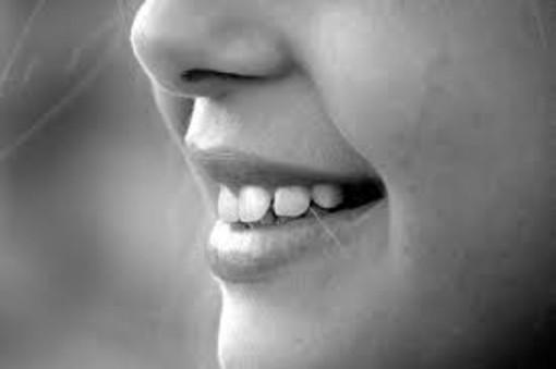 Impianti dentali: meglio quelli in titanio o in zirconia?