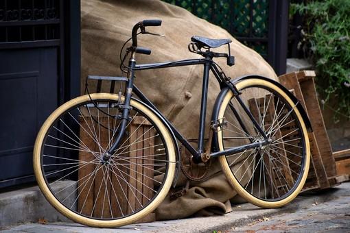 A Venaria Reale in mostra la storia della bicicletta e i suoi antichi mestieri