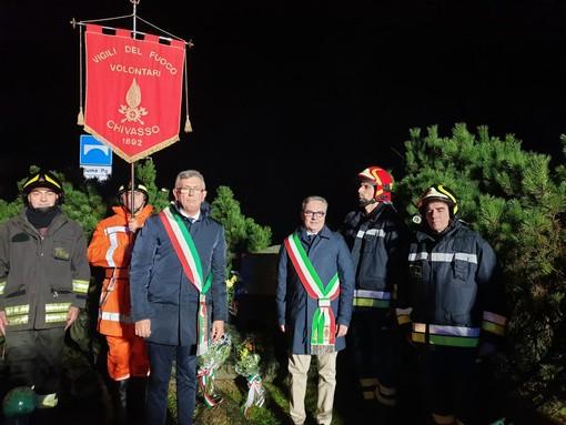 Chivasso celebra l'anniversario del crollo del ponte sul Po: la cerimonia con i vigili del fuoco