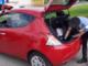 carabinieri perquisiscono auto rossa