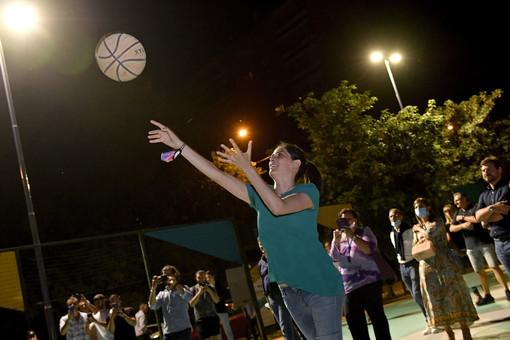 Iren accende le luci sul campo da basket della Circoscrizione 6 in corso Taranto