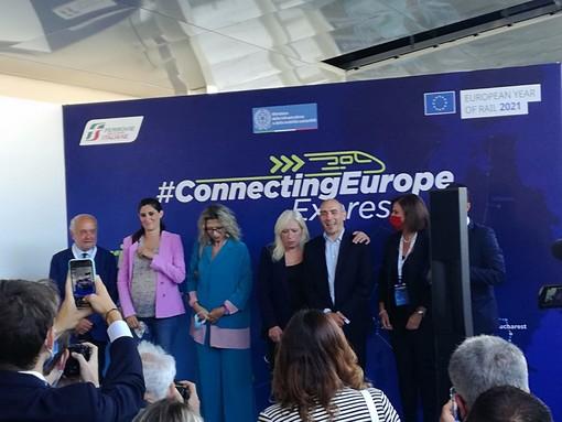 """Quaranta fermate in 36 giorni: passa da Torino il treno speciale che unisce l'Europa. """"Ma quando accelera il governo sulla Tav?"""" [VIDEO]"""