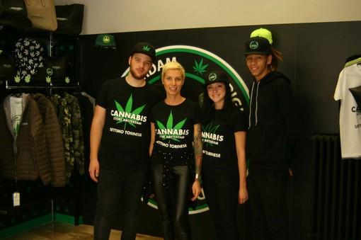"""A Settimo inaugurato il primo """"Cannabis Store Amsterdam"""""""