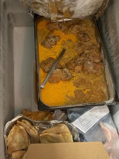 Sicurezza, controlli in un locale di via San Pio V: tentata frode e alimenti congelati nel modo errato