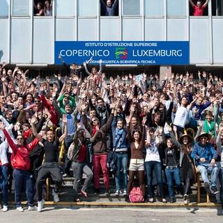 studenti Copernico-Luxemburg (foto tratta dalla pagina FB della scuola)