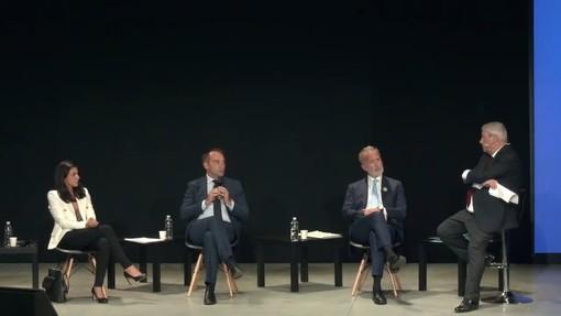 Valentina Sganga, Stefano Lo Russo, Paolo Damilano sul palco con Domenico Siniscalco