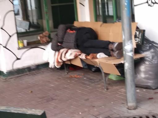 Sgombero dei senzatetto da Piazza Risorgimento