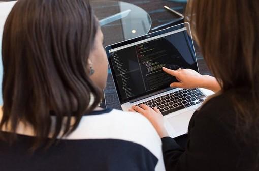 Elementi da valutare se si è alla ricerca del primo lavoro da programmatore