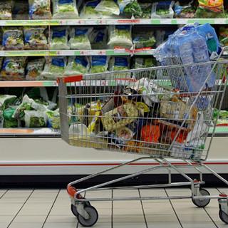Inflazione a Torino: costa meno l'energia, mentre aumenta il prezzo delle sigarette