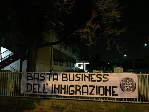 """""""CasaPound: blitz a Chivasso e Grugliasco contro il business dell'immigrazione"""""""