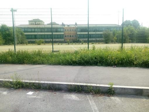 """Degrado ai campi da calcetto di via Sansovino: """"Vanno ristrutturati e messi a disposizione dei cittadini"""""""