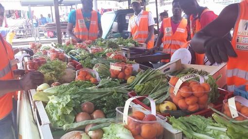 Venerdì donazione di alimentari alle famiglie in difficoltà di Regio Parco