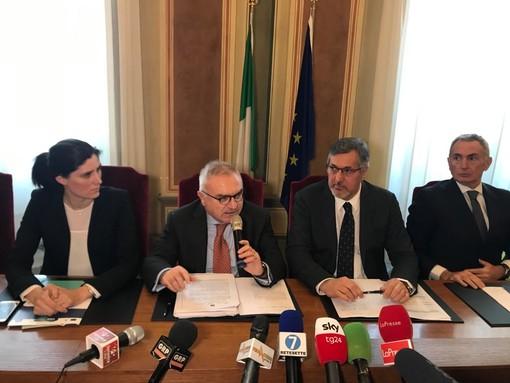 Coronavirus, nuove direttive dalla Regione Piemonte per arginare il contagio: cosa è permesso e cosa no