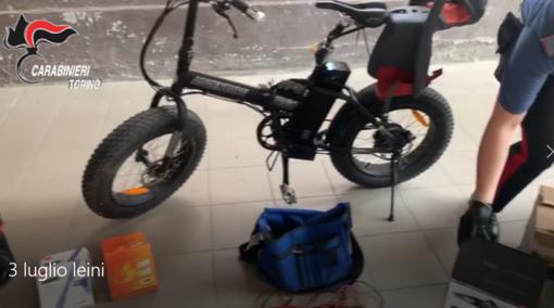 Al campo nomadi c'era il centro smistamento di merce rubata: tre persone denunciate [VIDEO]