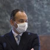 Alberto Cirio con mascherina