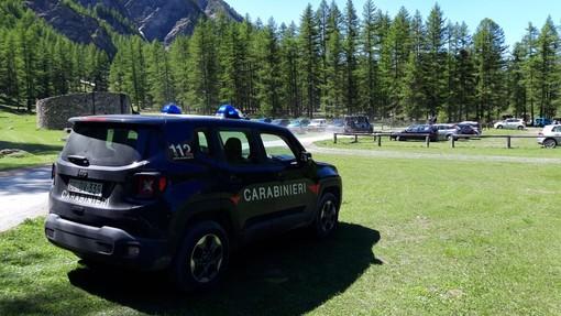 Primo fine settimana dopo il lockdown: controlli dei carabinieri contro gli assembramenti