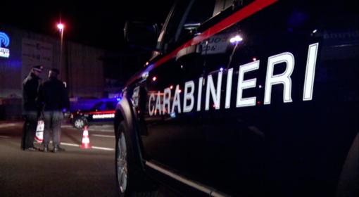 Pedinava e minacciava i frequentatori della movida a San Salvario: arrestato un rapinatore [VIDEO]