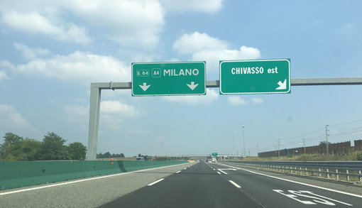 Incidente sulla A4 all'uscita di Chivasso Est: due feriti