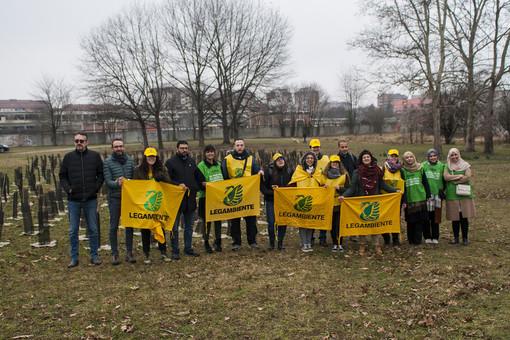 """Un patto """"green"""" tra Moschea Taiba e Città di Torino: piantumati nuovi alberi al parco Colonnetti"""